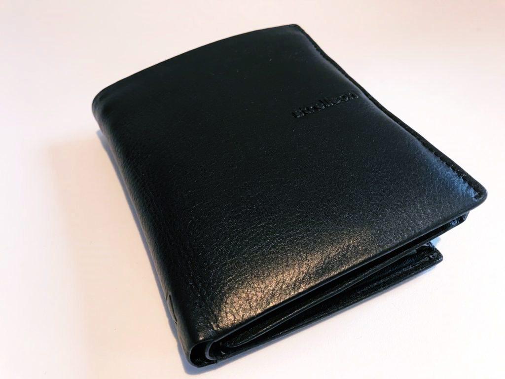 Die Strellson Geldbörse Carter überzeugt durch hochwertige Verarbeitung und elegantes Design.